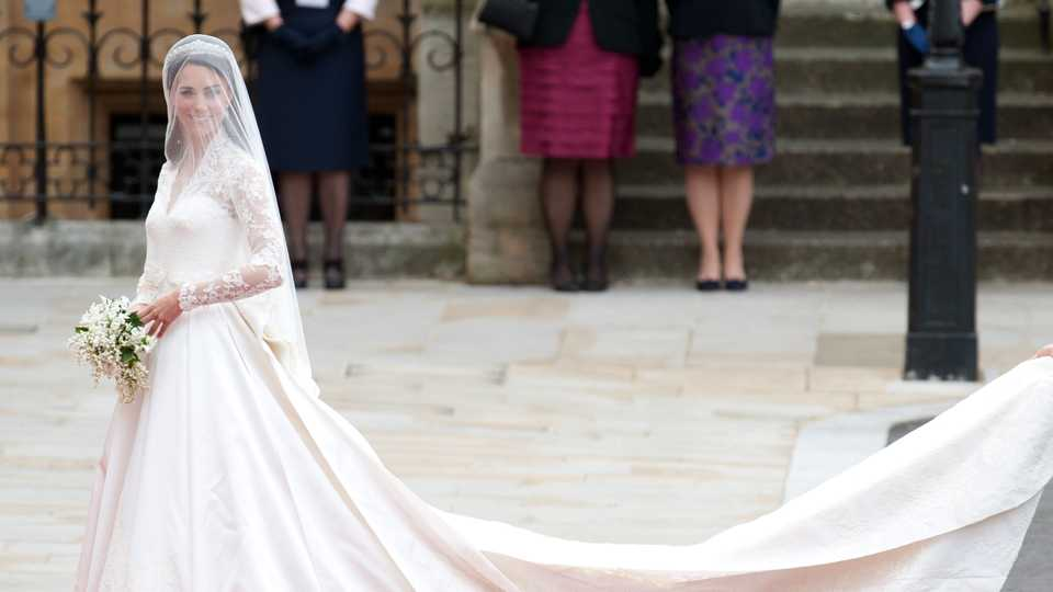 Alexander McQueen Is Being Sued Over Kate Middleton\'s Wedding Dress ...