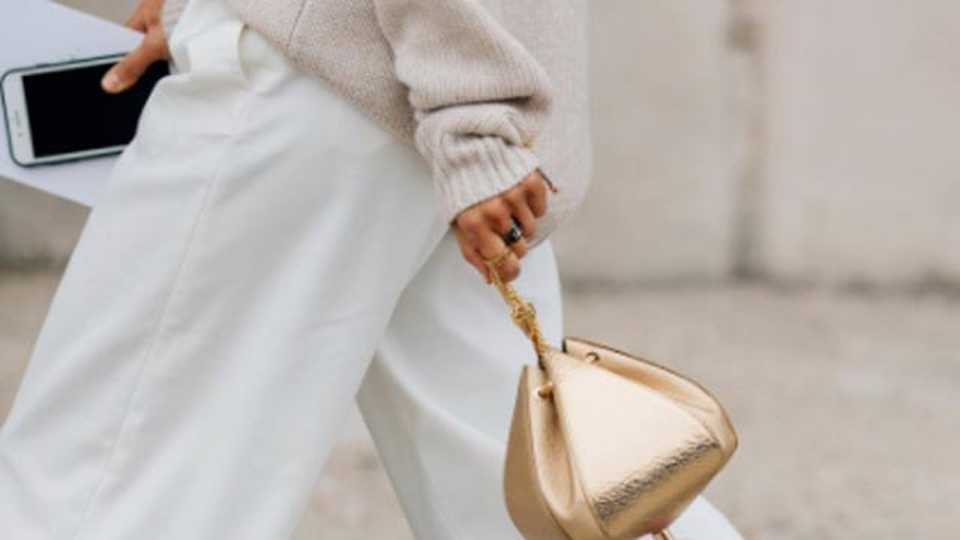 This Is The Bag Everyone s Carrying At Paris Fashion Week  dc6c4ae007310