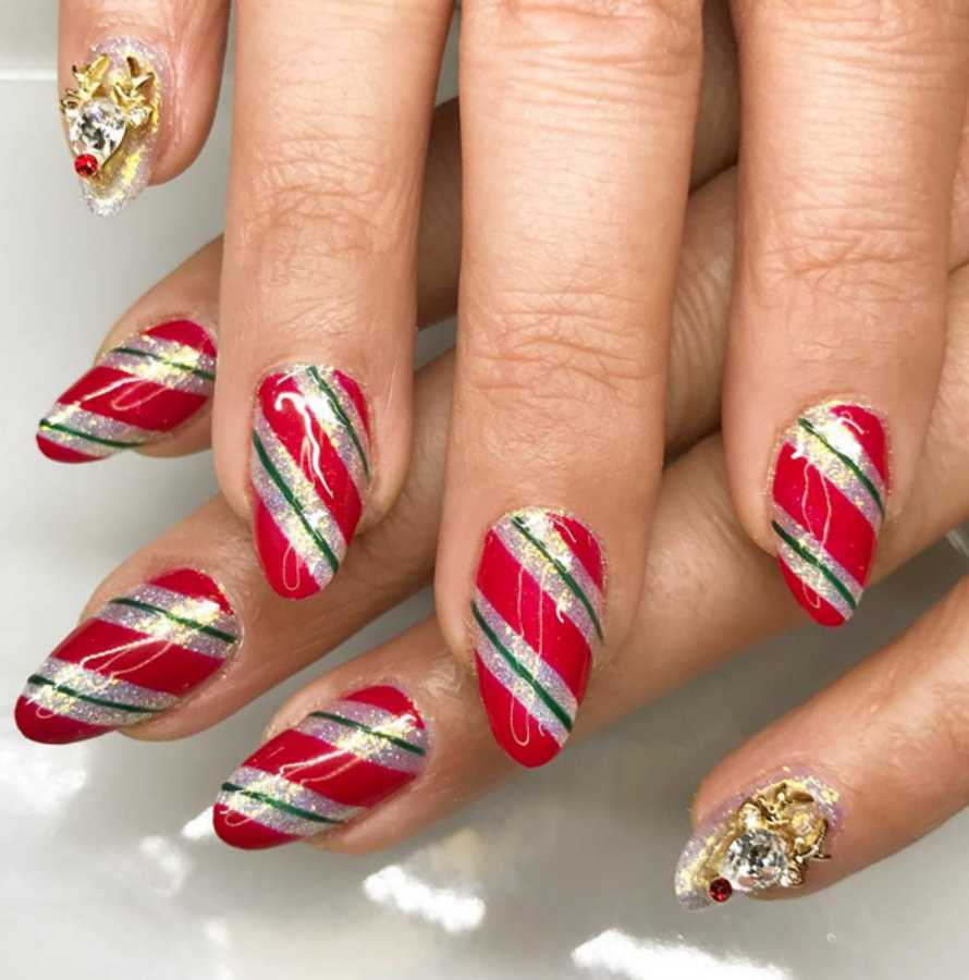 Christmas Designs For Your Nails: Designs, Ideas, & How To Get