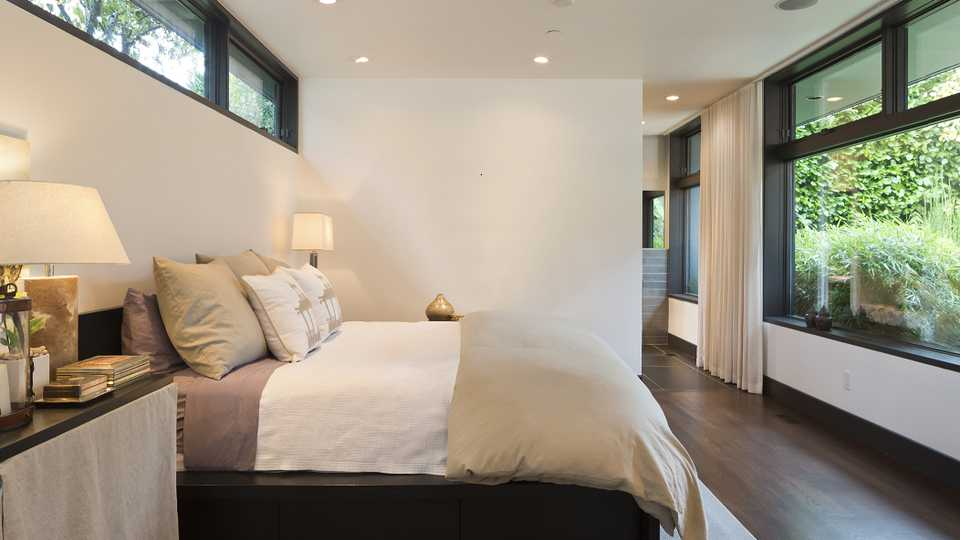 This One Bedroom Design Fail Could Disrupt Your Sleep Grazia
