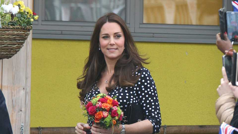 Kerching! The Thrifty Duchess Of Cambridge Wears Maternity Dress By ... f34b3a699
