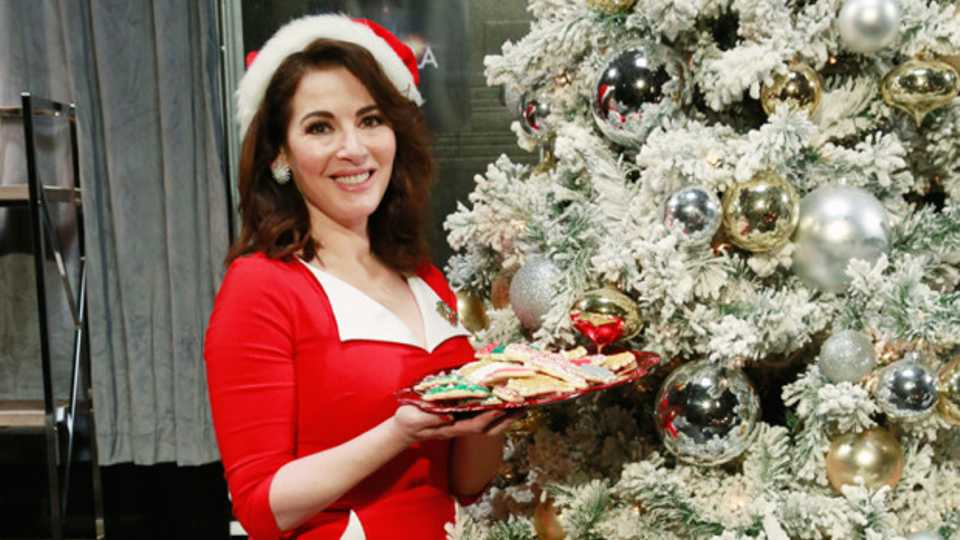 I Tried To Follow Nigella's Tips For A Perfect Christmas Party. Here's What  Happened | Grazia - I Tried To Follow Nigella's Tips For A Perfect Christmas Party