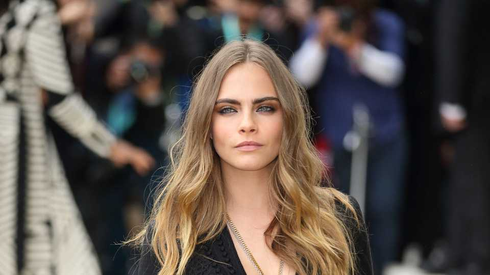 "Cara Delevingne Says Her Childhood Was ""Pretty Sad"""