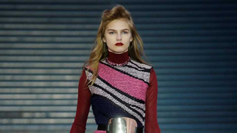 Roksanda ilincic autumn winter 2015 weaving a glamorous for Format 41 raumgestaltung ag