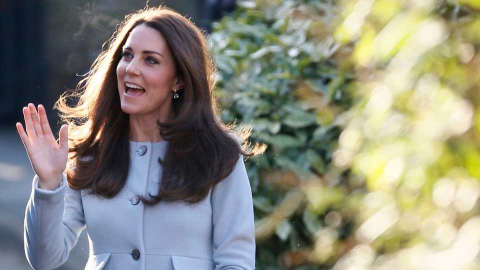 The Duchess Of Cambridge Returns To Séraphine For Charity Visit  cb86eb206