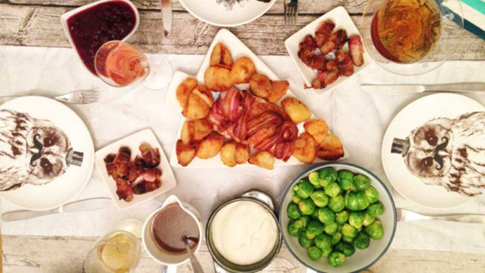 make your mates a christmas dinner for under a tenner grazia