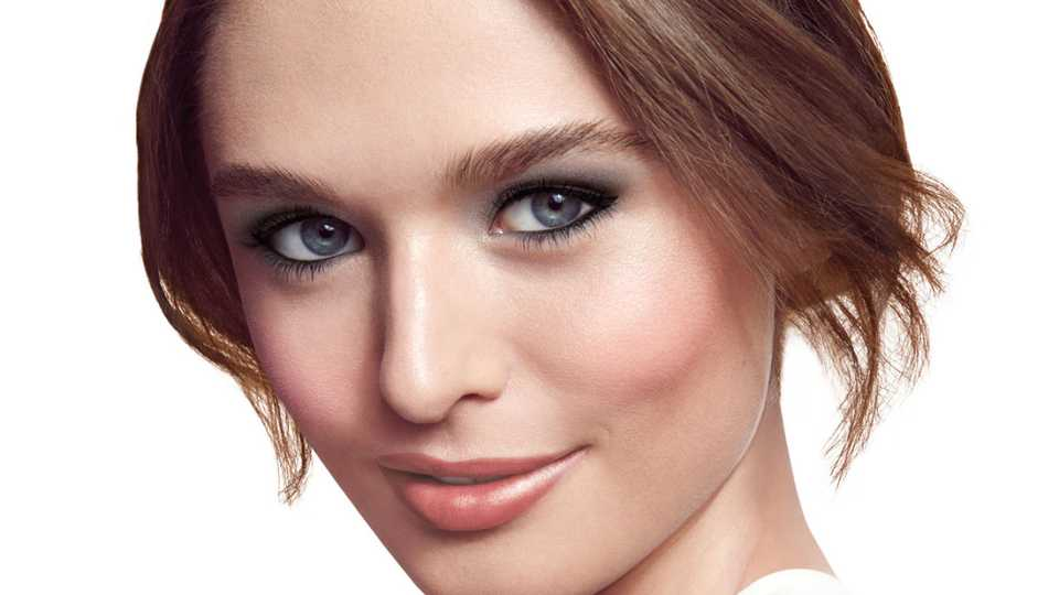 Get Foolproof Dramatic Eyes With Clinique