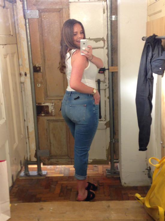 Touch legs mature milf very sexy jeans