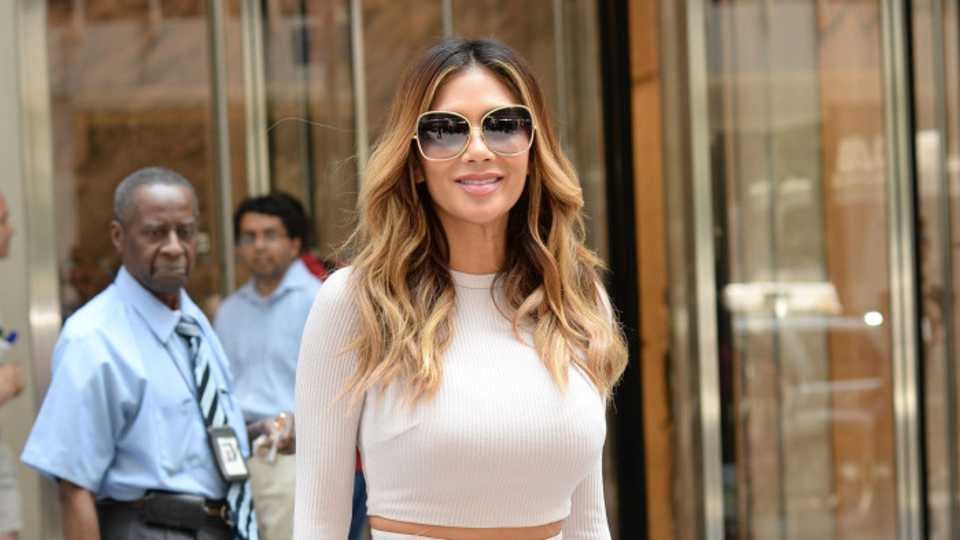 """TV Host Tells Nicole Scherzinger She Wasted """"Seven Good Years"""" Not Having A Baby With Lewis Hamilton"""