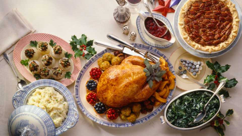 christmas dinner cheats how to make a shop bought roast dinner look totally homemade grazia