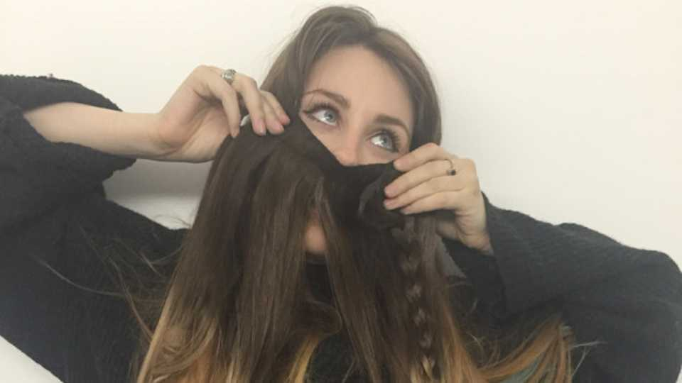 How To Wear Hair Extensions By An Extensions Virgin Grazia
