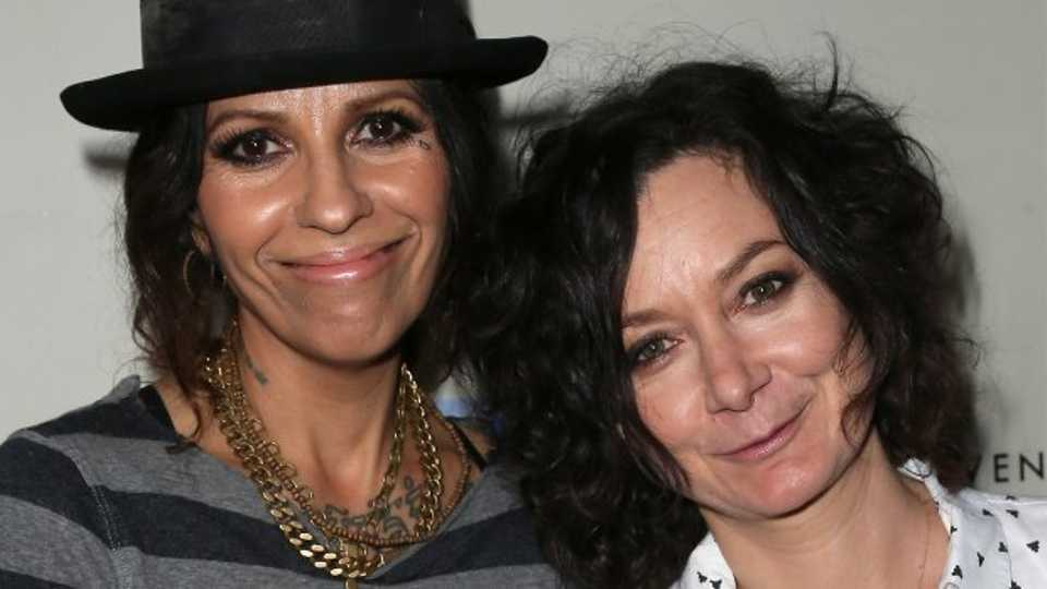 Princess Margaret Style >> Darlene from Roseanne Married Linda Perry A.k.a. The Singer From 4 Non Blondes!   Grazia