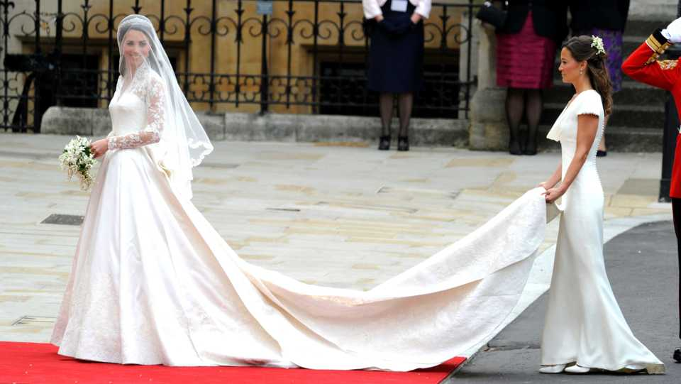 H&M Is Selling A Replica Of Kate Middleton\'s Wedding Dress For £150 ...
