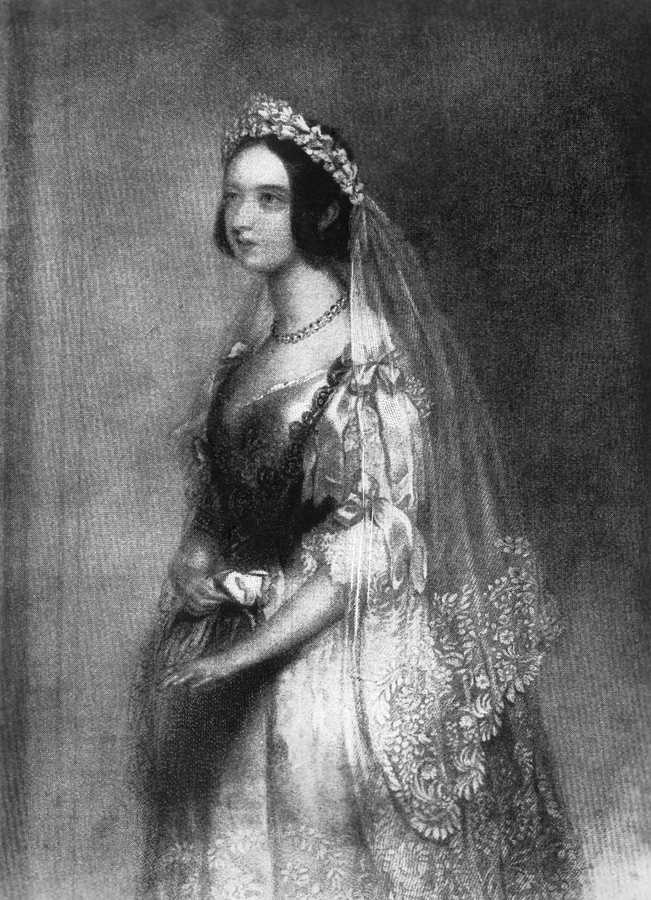 queen victoria wedding dress