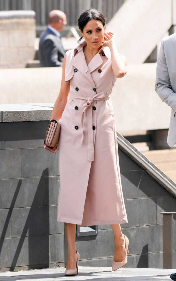 meghan markle pink trench coat