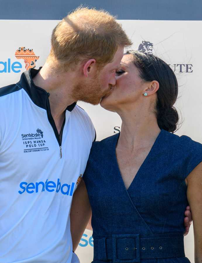 A History Of Royal Snogs