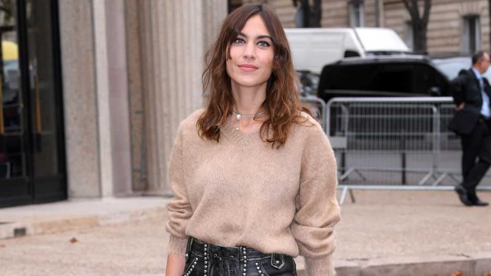 Alexa Chung Brings Back Our Favorite 2010 Trend