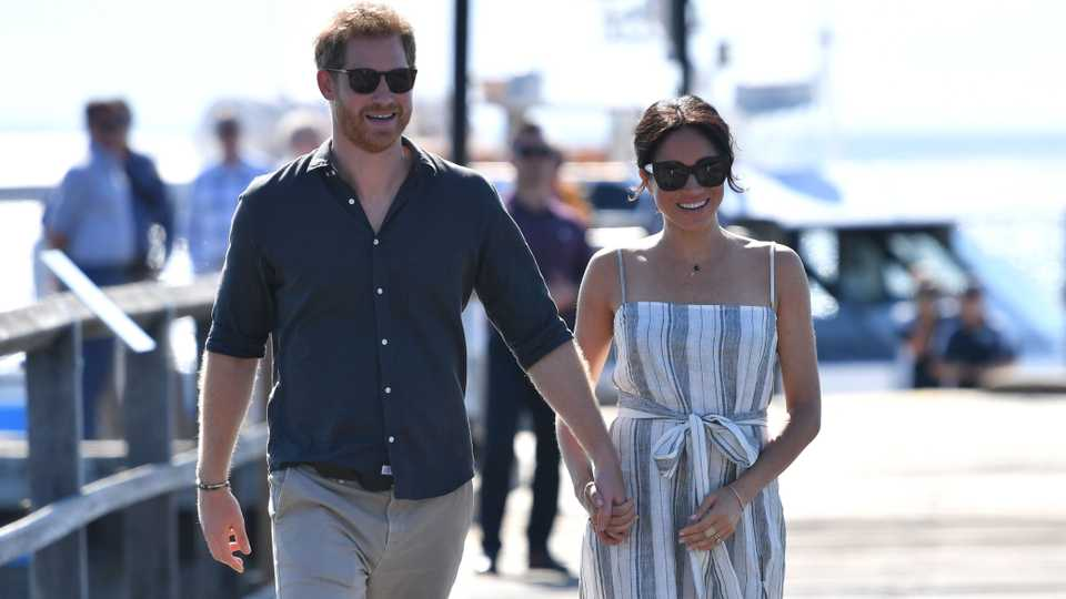Bespoke Givenchy and ASOS Maternity  Experts Tell Us What They re Expecting  From Meghan s Maternity Wardrobe  01bfae462e8c1